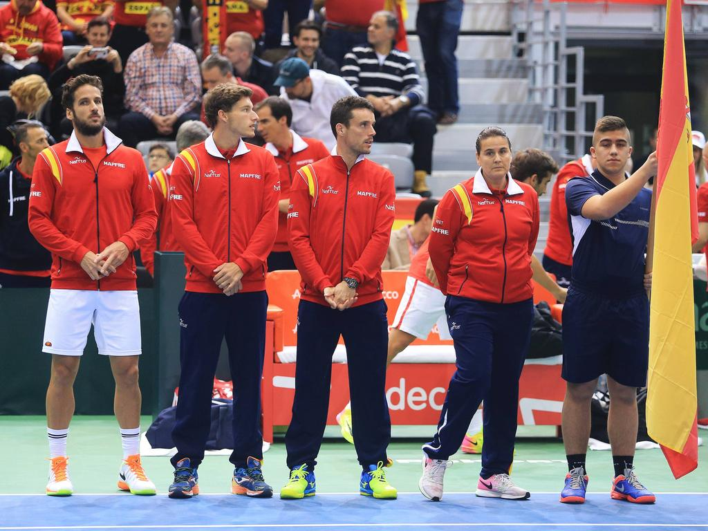 Davis Cup Spanien Weiter Zwei Teams Ausstehend