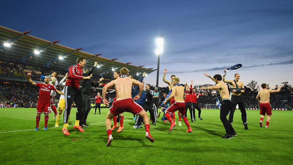 Der HSV rettete sich 2015 in der Relegation gegen den KSC