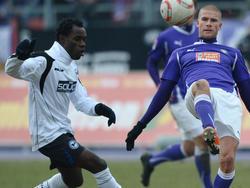 Eke Uzoma (l.) spielte auch für Arminia Bielefeld