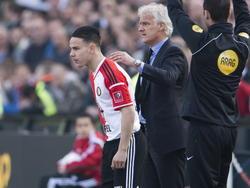 Feyenoord speler Calvin Verdonk (l.) maakt zijn debuut voor Feyenoord en naast hem Feyenoord trainer Fred Rutten (r.). (08-03-2015)