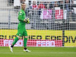 NEC Nijmegen-doelman Joris Delle is in het bezit van de bal tijdens het duel bij AZ Alkmaar. (28-08-2016)
