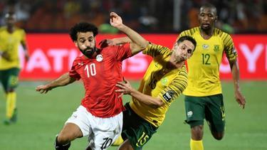 Überraschendes Aus für Ägypten und Mohamed Salah (l.)