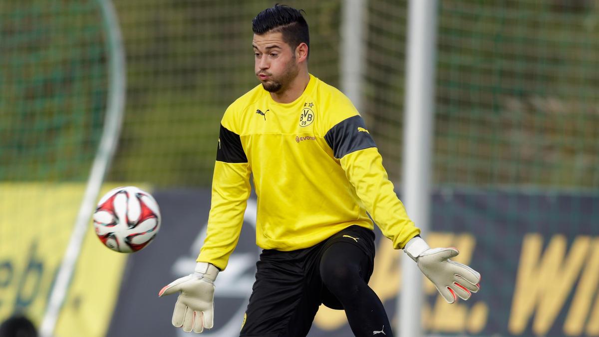 Pyro-Attacke auf Ex-BVB-Keeper Zlatan Alomerovic