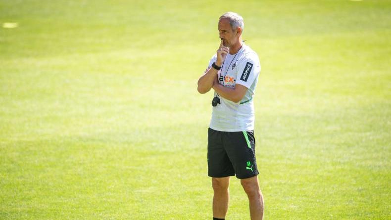 Gladbach-Trainer Adi Hütter muss zunächst noch auf zwei Leistungsträger verzichten