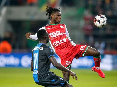 Gideon Mensah (r.) kickt in der nächsten Saison in Portugal