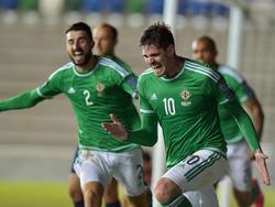 Kyle Lafferty feiert seinen Ausgleichstreffer für Nordirland gegen Ungarn
