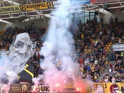 Fans van Roda JC zorgen voor veel sfeer voorafgaande aan de oefenwedstrijd tegen het Duitse Alemannia Aachen. (16-07-2016)