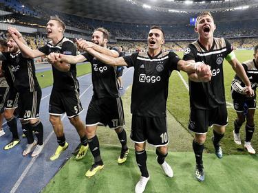 El Ajax empató en Kiev para clasificarse a la fase de grupos. (Foto: Getty)