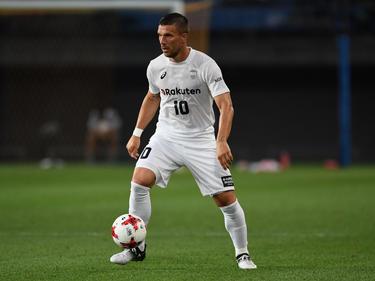 Lukas Podolski feiert einen Einstand nach Maß