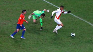 Paolo Guerrero (r.) traf zum 3:0-Endstand für Peru