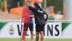 Mark Uth (l.) könnte gegen Paderborn sein Comeback feiern