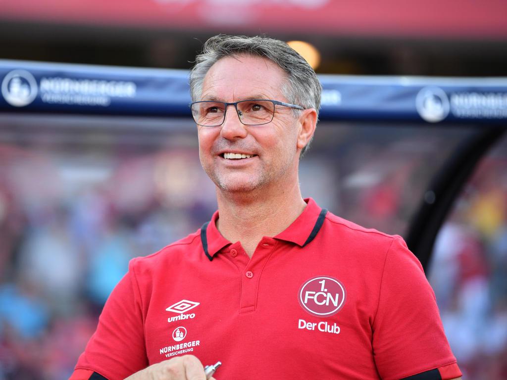 Nürnbergs Trainer Damir Candir blickt nach vorne