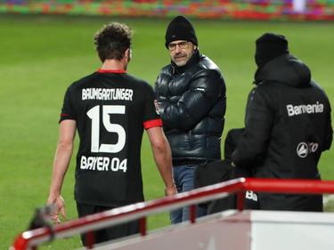 Nicht nur Leverkusen-Trainer Peter Bosz bangt um Julian Baumgartlinger