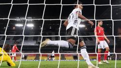 Treffsicher gegen die Schweiz:Serge Gnabry erzielte das Nationalmannschaftstor des Jahres