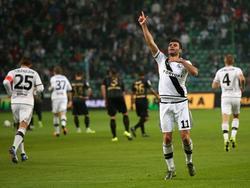 Nemanja Nikolić bejubelt seinen Treffer