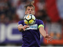 Alex Grünwald muss vier Wochen Gips tragen, kann aber trainieren und Matches spielen