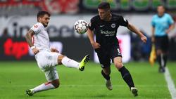 Luka Jović, (dcha.) en un partido con el Eintracht.