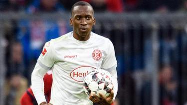 Sorgte mit seinem Hattrick für ein Remis im Spiel gegen den FC Bayern München: Torschütze Dodi Lukebakio von Fortuna Düsseldorf