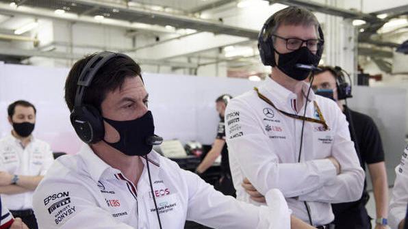 Toto Wolff (Teamchef, l.) und James Allison (Technischer Direktor von Mercedes)
