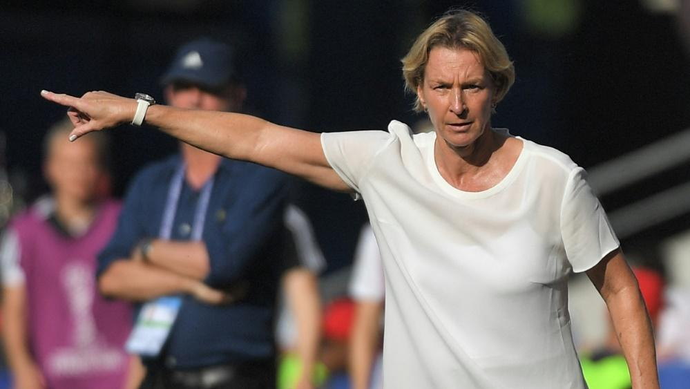 Bundestrainerin Martina Voss-Tecklenburg nimmt die DFB-Krise gelassen