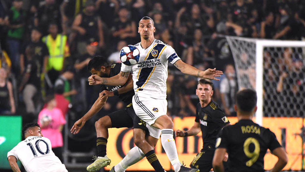 Milan Ac Calendrier.Serie A Acutalites Ac Milan Offer Ibrahimovic Six Month Deal
