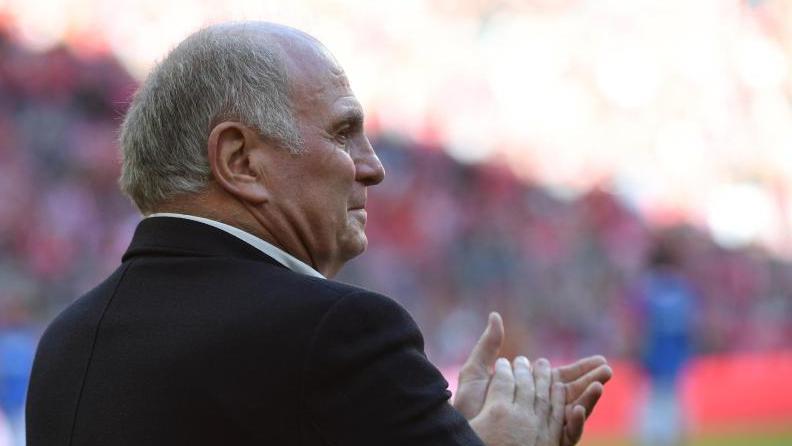 Uli Hoeneß wird sich am Freitag als Präsident des FC Bayern zurückziehen