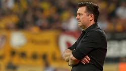HSV-Sportdirektor Ralf Becker stärkt Trainer Christian Titz den Rücken