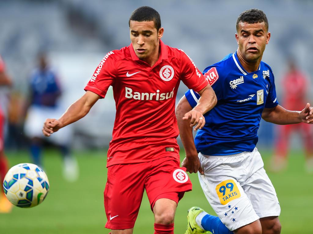William (l.) wechselt zum VfL Wolfsburg