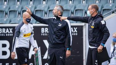 Gladbach-Coach Marco Rose (M.) war mit der Leistung seiner Mannschaft zufrieden