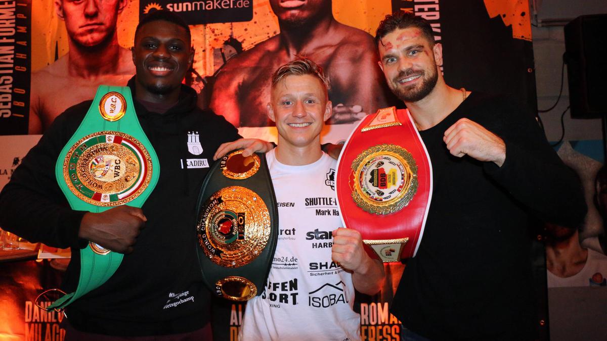 Sebastian Formella (Mitte) bekommt endlich seine große Chance