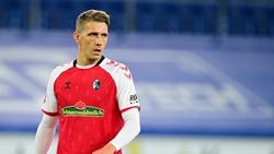 Nils Petersen verletzt sich im Training am Knie