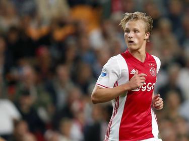 Kasper Dolberg loert op een kans om nog eens te scoren tijdens de wedstrijd tussen Ajax en PEC Zwolle. (24-09-2016)