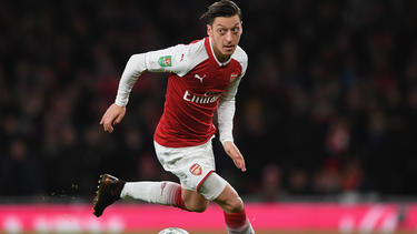 Mesut Özil reist mit dem FC Arsenal nach Asien