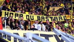 Die BVB-Fans attackierten TSG-Mäzen Dietmar Hopp mit diversen Plakaten und Bannern