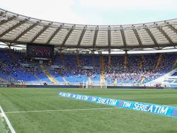 De Derby della Capitale staat op het punt van beginnen, maar moet het zonder de fanatiekste supporters doen. De supporters van Lazio en AS Roma boycotten de wedstrijd vanwege de scheidngswanden. (03-04-2016)