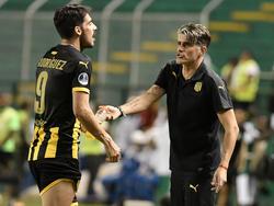 Diego López abandona el banquillo aurinegro.