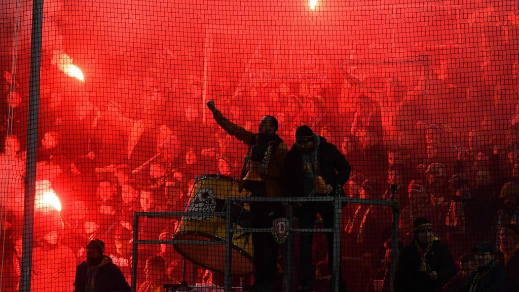 Fans von Dynamo Dresden zündeten einmal mehr