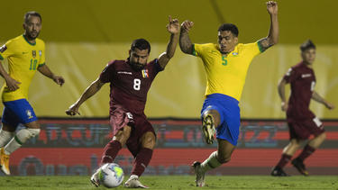 Brasil lo pasó mal para vencer a Venezuela.