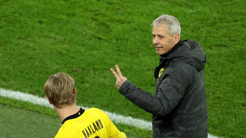 BVB-Trainer Lucien Favre ist dieser Tage für Scherze gut zu haben