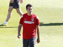 Javier Manquillo kijkt om zich heen tijdens een training van Atlético Madrid. (3-5-2-104)