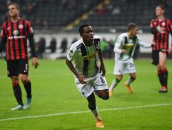 Ibrahima Traoré feiert seinen Treffer zum 2:0