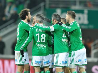 Los jugadores del Saint-Étienne celebran el pase a semis. (Foto: Imago)