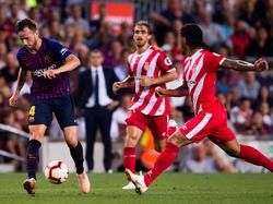 Rakitic saca un centro en el Barça-Girona de ayer. (Foto: Getty)