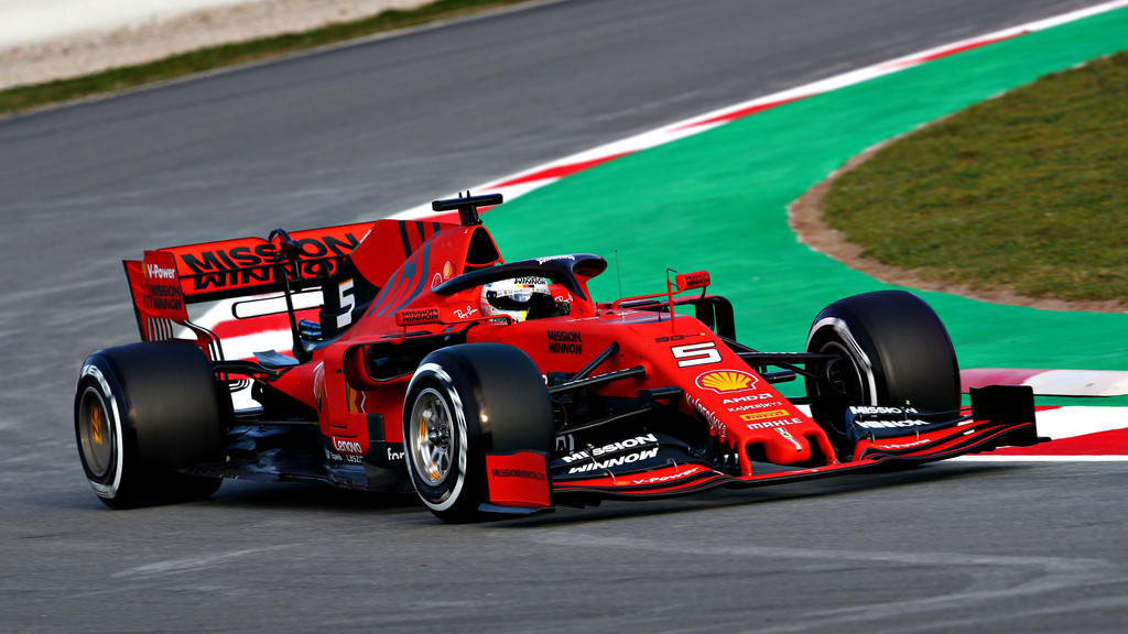 formel 1 ferrari star sebastian vettel schockt die. Black Bedroom Furniture Sets. Home Design Ideas
