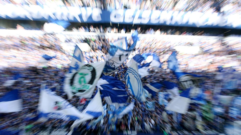 Smartphone statt Support: Die Ultras Gelsenkirchen kritisieren Teile der Schalke-Fanszene