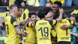 Verschwunden in der Jubeltraube: Paco Alcácer besorgte beide BVB-Tore