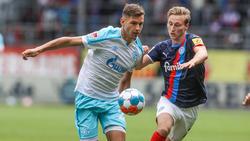 Marvin Pieringer (l.) ist neu beim FC Schalke 04