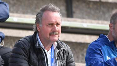 Neururer erneuert sein Hilfsangebot an Schalke 04