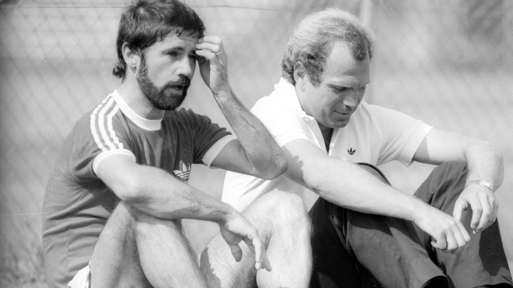 Waren lange Weggefährten beim FC Bayern: Uli Hoeneß (r.) und Gerd Müller