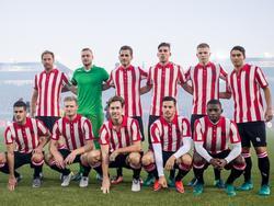 Sparta Rotterdam speelt tegen Willem II in speciale shirts vanwege het 100-jarig bestaan van stadion Het Kasteel. (15-10-2016)